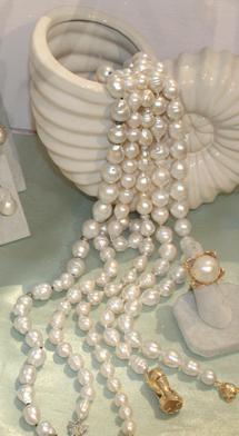 Pearl case small